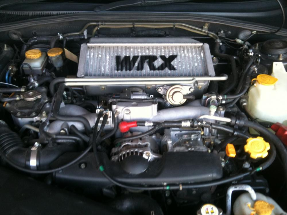 the engine with my intercooler spray job :P